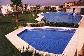 Pool der Wohnanlage
